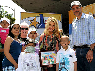 Jessica Simpson Sings for a Good Cause