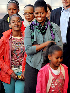 Obama Girls' London Trip: Harry Potter, Fish 'n' Chips!