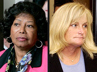Debbie Rowe Reaches Out to Jackson Family