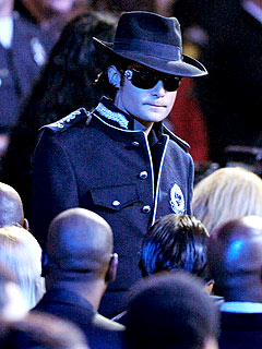 PHOTO: Corey Feldman Dresses Up Like King of Pop
