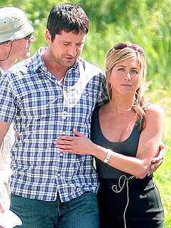 Gerard Butler Looking Forward to Kissing Jennifer Aniston