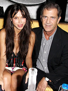 Mel Gibson's Girlfriend: Mel Is a 'Visionary'