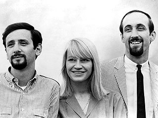 Peter, Paul & Mary's Mary Travers Dies at 72