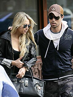 BUZZ: Are Enrique Iglesias and Anna Kournikova Finally Getting Engaged?