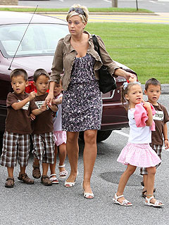 Kate Cleans Up Clutter on Jon & Kate Plus 8