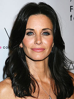 Courteney Cox Returning to Cougar Town Set