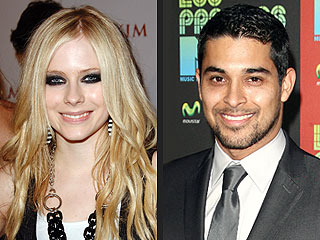 BUZZ: Avril Lavigne and Wilmer Valderrama More Than Friends?