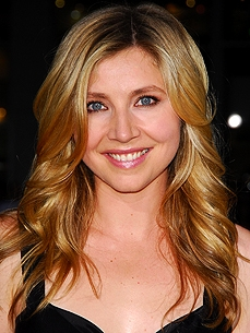 Sarah Chalke: My Dog 'Runs My Life'