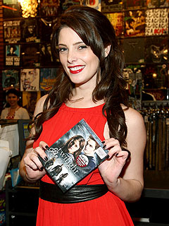Twilight Star Ashley Greene Surprises Fans at DVD Release
