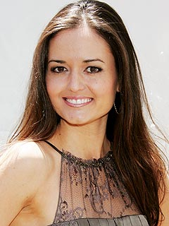 The Wonder Years&#39;s Danica McKellar Is Pregnant