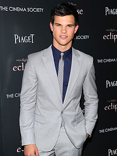 Taylor Lautner Checks Out Cirque du Soleil