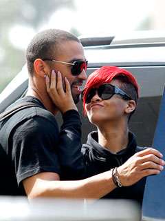 Couples Watch: Rihanna & Her Man's Romantic Post-Concert Getaway