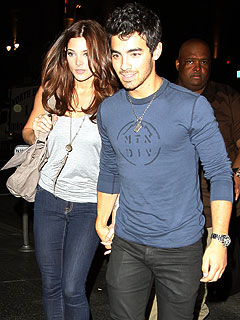 Couples Watch: Ashley Greene & Joe Jonas's Private Sushi Date