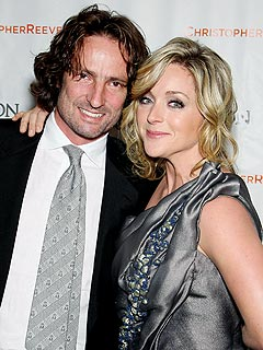 Newly Engaged Jane Krakowski's Hairstylist Played Cupid