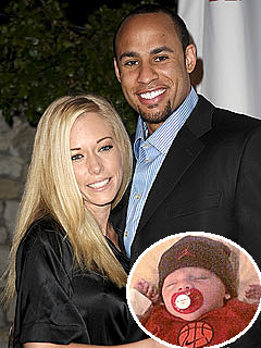 Kendra Wilkinson & Hubby: Baby Hank Can Now High-Five!