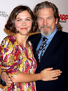 QUOTED: Maggie Gyllenhaal High-Fives Jeff Bridges&#39;s Heart &#8211; and His Vodka