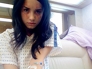 PHOTO: Demi Lovato Gets Bloody on Grey's Set