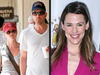 Reese Witherspoon & Jim Toth Help Celebrate Jennifer Garner's Birthday