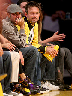 David Arquette Gives His $3,700 Lakers Seats to Veterans – During the Game!