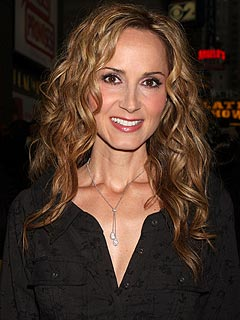 Country Music Artist Chely Wright Comes Out