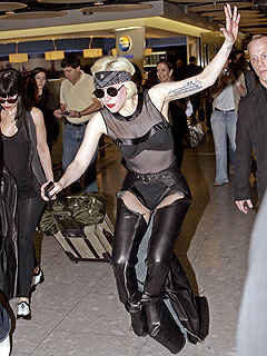 PHOTO: Lady Gaga Goes Down in London