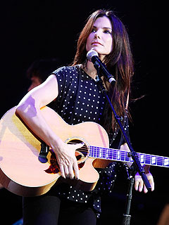 Sandra Bullock Gives Surprise Country Serenade