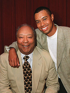 Tiger Woods Grieves Over Dad's Death