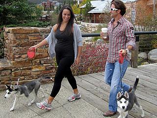 Jesse Csincsak & Ann Lueders  Reveal Her Baby Bump