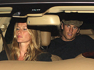 PHOTO: Tom Brady Takes a Back Seat to Gisele B&#252;ndchen