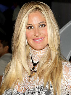 Kim Zolciak Not Engaged &#8211; For Now
