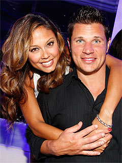 Vanessa Minnillo, Nick Lachey Engaged, Partying in Cincinnati