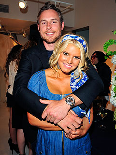 Jessica Simpson with friendly, Husband Eric Johnson