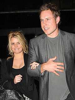 Jessica Simpson Adopts Fianc&#233;&#39;s Dog