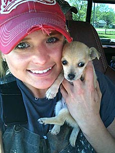 ACM Winner Miranda Lambert Calls New Dog Her Lucky Charm