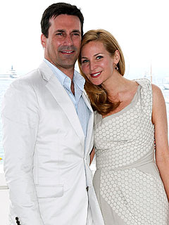 Jon Hamm Picks Out Sunglasses for His Girlfriend