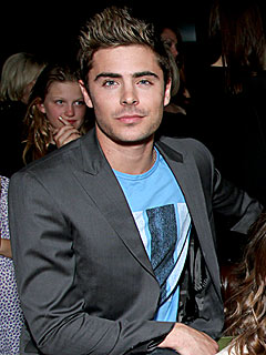 Zac Efron Dances to Michael Jackson Tunes in Chicago