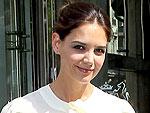 Katie Holmes Solves a 'Cupcake Emergency' in L.A. | Katie Holmes