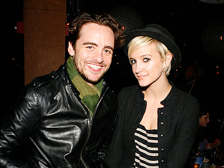 Ashlee Simpson's PDA-Packed Night on the Town