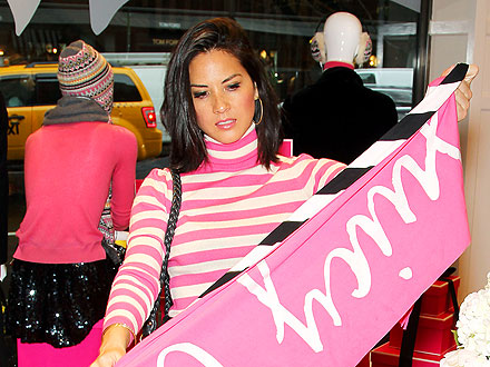 Olivia Munn Starts Her Holiday Shopping Early