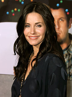 Courteney Cox Not Dating Cougar Town's Josh Hopkins