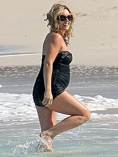 Jane Krakowski Looks Pregnant in the Caribbean