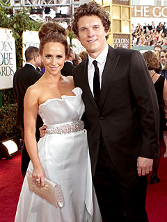 Jennifer Love Hewitt Splits from Boyfriend