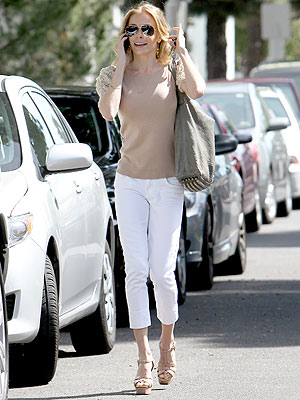 LeAnn Rimes Buys Her Stepkids Clothes