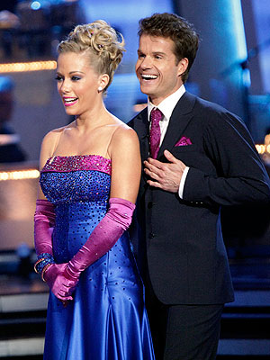 Dancing with the Stars: Kendra Could Win, Predicts Holly Madison