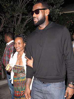 Lebron James Mother Arrested in Miami : People.lebron james mother 