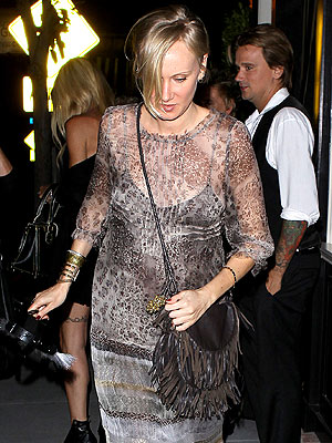 Kimberly Stewart Pregnant Photos