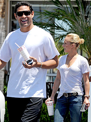 Hayden Panettiere Not Dating Mark Sanchez, Says Source