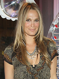 Molly Sims Is Engaged!