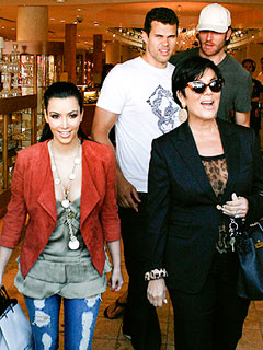 Kris Jenner: Kim Kardashian Didn't Make Money Off Wedding | Kim Kardashian, Kris Humphries