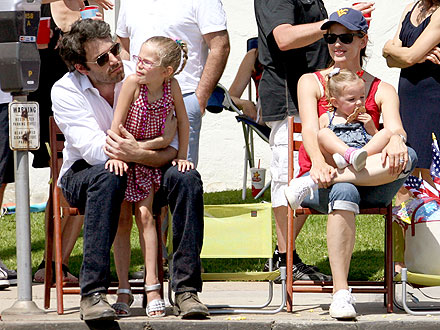 Ben Affleck & Jennifer Garner's Family 4th of July
